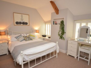 Wells holiday cottages - Carden Cottage Master Double Bedroom