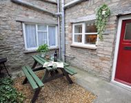 Stable Cottage Small Garden and Barbecue